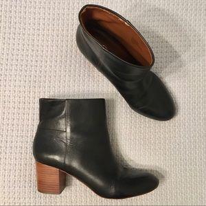 Banana Republic Round Toe Leather Boots Black 9.5